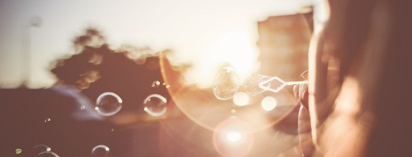 girl-blowing-bubbles-in-the-sunset-evening-picjumbo-com